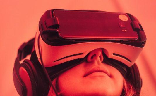 Startups arbeiten an Verbindung von Blockchain und Virtual Reality
